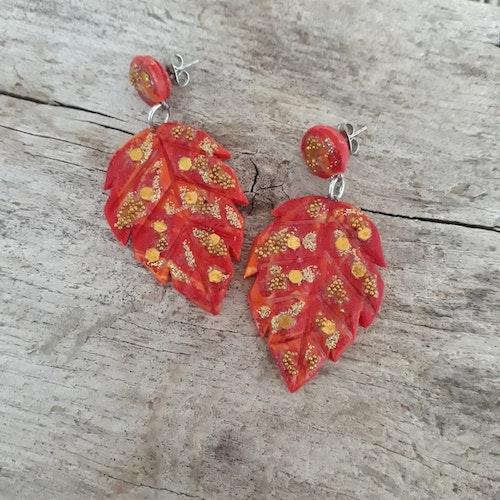 Örhängen med stift- Röda höstlöv med glitter (Större modell)