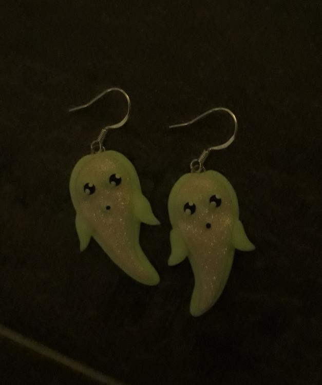Örhängen- Spöken (lite större modell) med självlysande detaljer