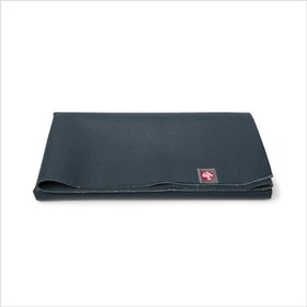 Yogamatta SuperLite travelmat Midnight från Manduka