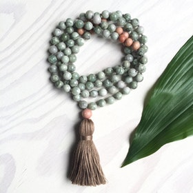 Yogahalsband Dream green Malas från The Beautiful Nomad