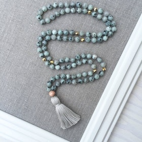 Yogahalsband Malas från The Beautiful Nomad - Courage