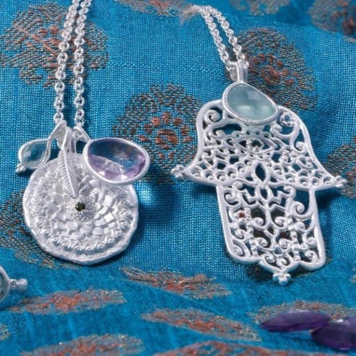 "Hamsahalsband ""Raksana"" i Silver Aquamarine från Ananda Soul"