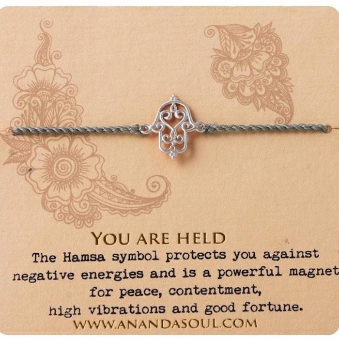 "Armband ""You are held"" i Silver från Ananda Soul"
