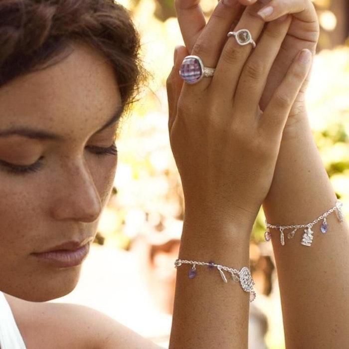 """Armband """"Hold my Hand"""" i Silver från Ananda Soul"""