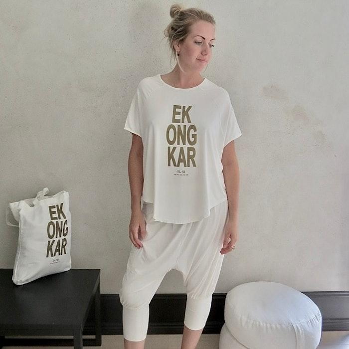 T-shirt Pärlvit / Ek Ong Kar - RAJ 108