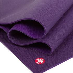 Yogamatta PRO mat Black Magic (lila) 6mm Extra Lång - Manduka