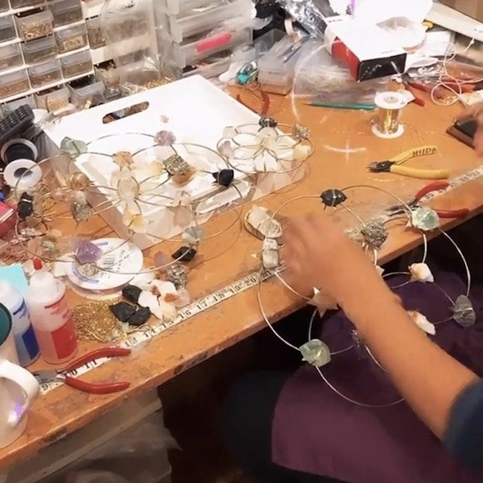Kristall Beach Vibes Sunburst Healing Crystal Grid - Ariana Ost