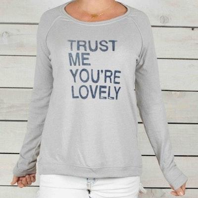 Långärmad Tröja Trust Me, You're Lovely från SuperLove Tees