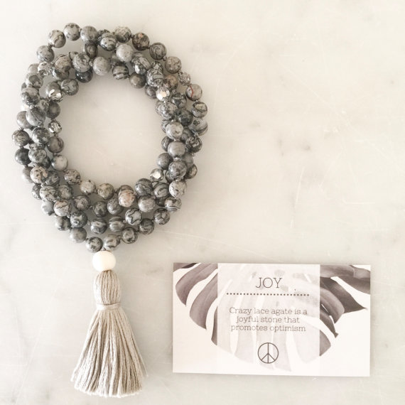 Yogahalsband Malas från The Beautiful Nomad -Joy