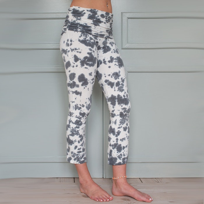 Yogaleggings White Half moon pants från Paw Paw yogawear