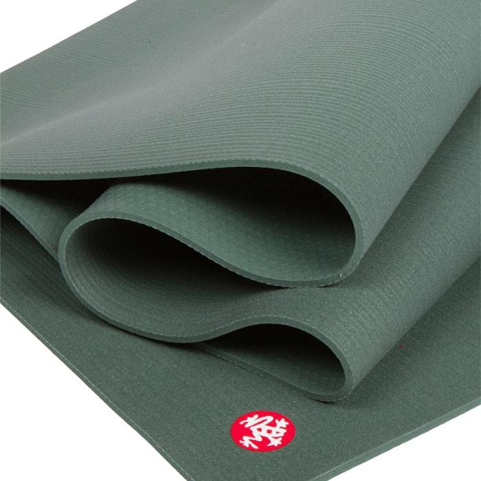 Yogamatta Black mat PRO 6mm Black Sage (grön) - Manduka