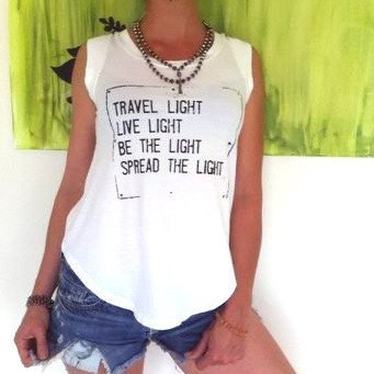 Linne Travel light Love från SuperLove Tees