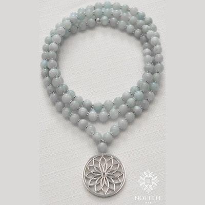 Mala halsband Bloom  Aqua från Nouelle