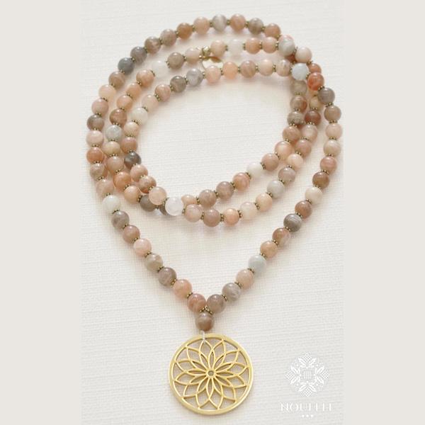 Mala halsband Bloom Moonstone från Nouelle