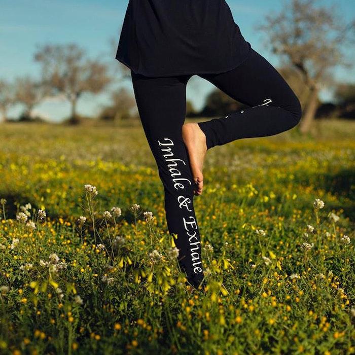 "Yogaleggings ""Malva blue"" från Santa Ni"