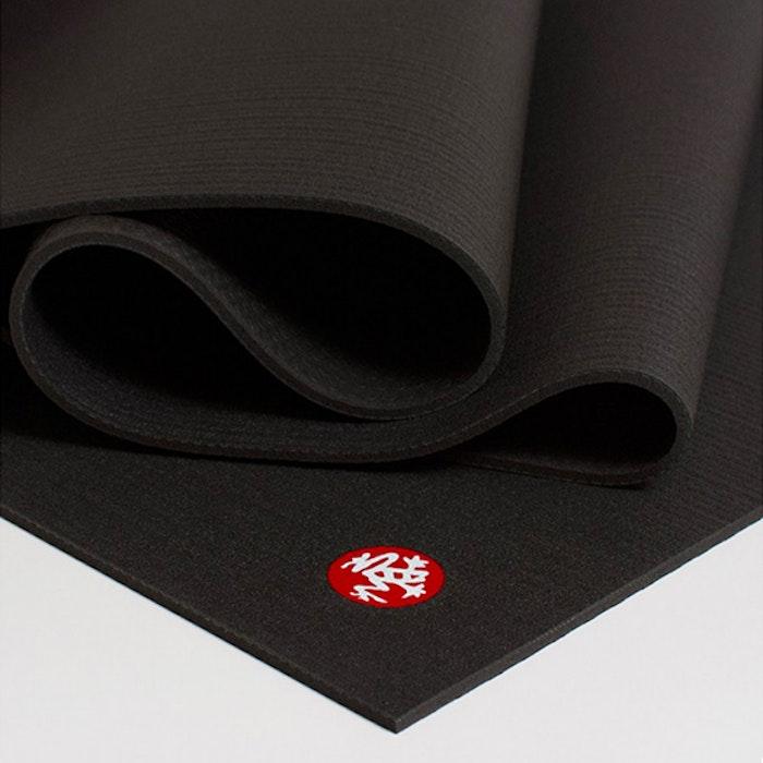 Yogamatta PROLite Black från Manduka - extra bred och extra lång