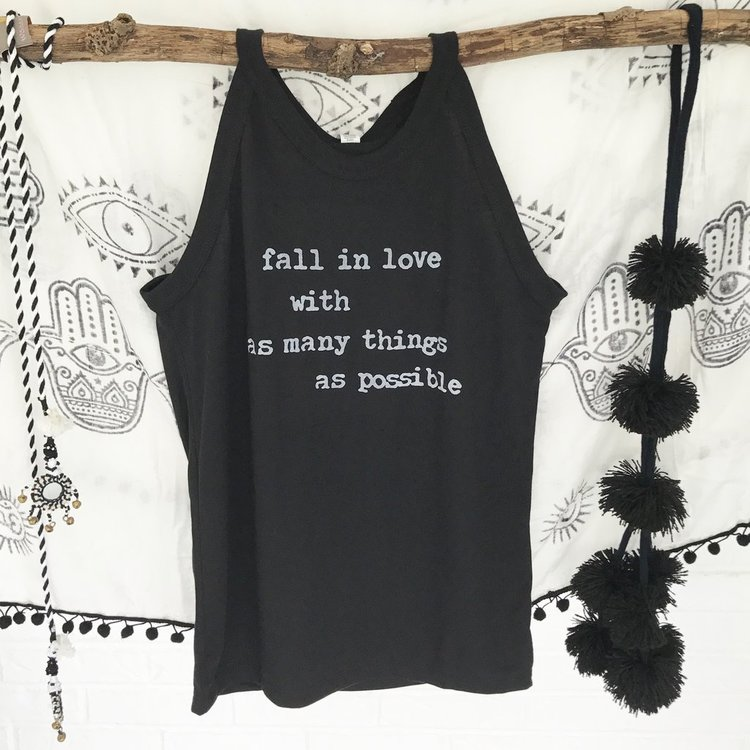 "Linne""Fall in love with as many things as possible"" från SuperLove Tees"