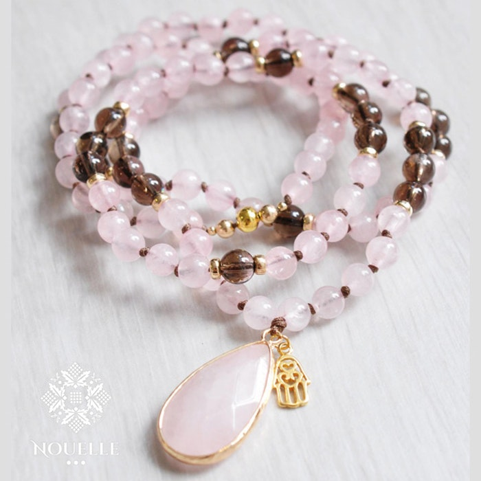 "Mala halsband ""Love and protection"" från Nouelle"