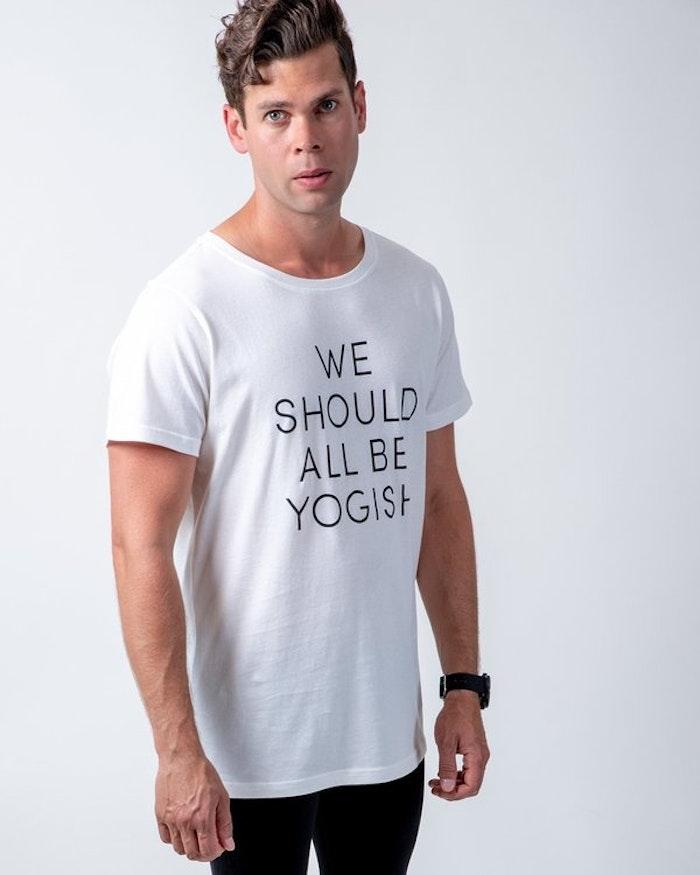 "Tröja Kim Unisex ""We should all be Yogish"" Coconut milk - Yogish Collective"