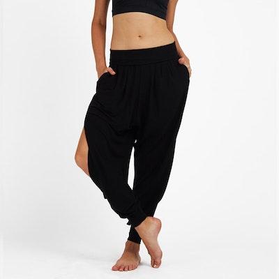 Yogabyxor Black Freedom flow pants från Dharma Bums