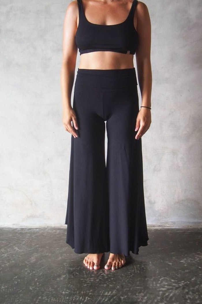 Yogabyxor Alora Pants - Black från Indigo Luna