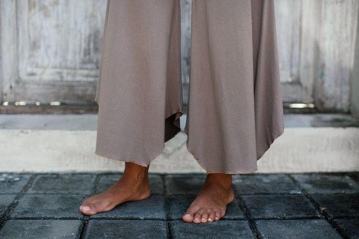 Yogabyxor Alora Pants - Sable från Indigo Luna