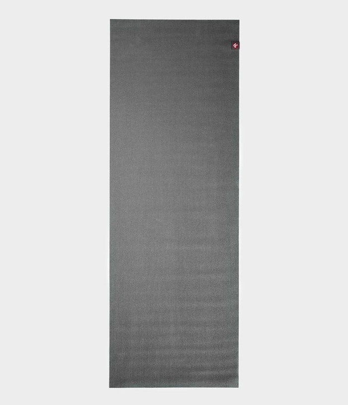Yogamatta SuperLite travelmat Charcoal från Manduka