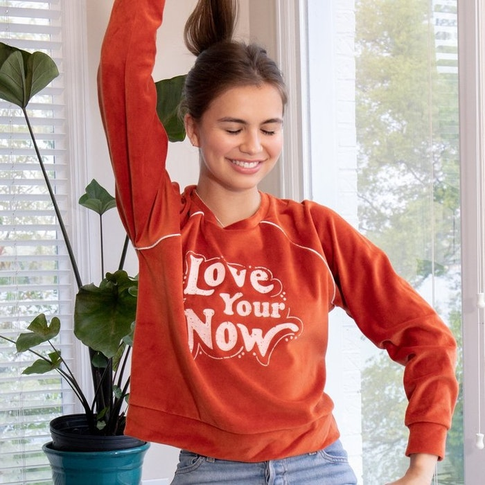"Tröja ""Love your now"" från SuperLove Tees"