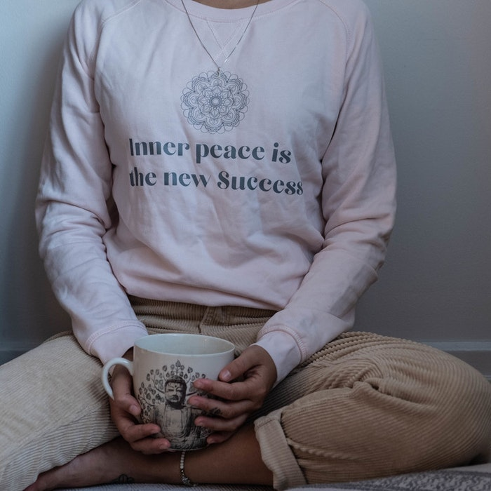 "Tröja ""Inner Peace is the new success"" Rosa - Yogia"