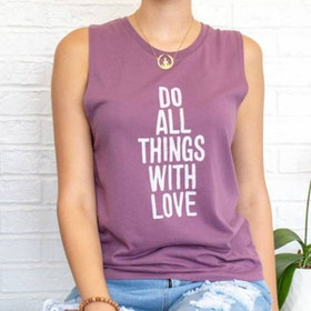 "Linne ""All things with love"" från SuperLove Tees"