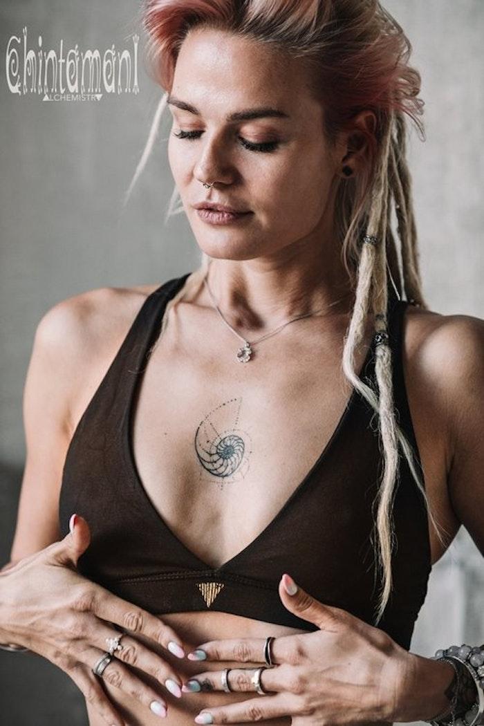 Yoga Bh Atua Tino top black - Chintamani Alchemi
