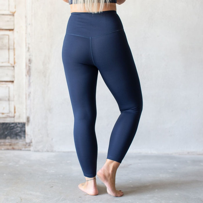 Yoga leggings High rise 7/8 Midnight  - Girlfriend Collective