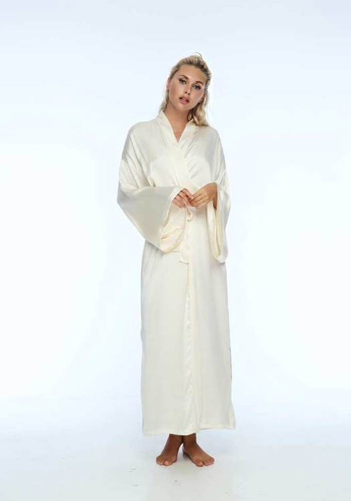 "Silk Bathrobe ""Ganesha´s got your back Cream"" - Warriors of the divine"
