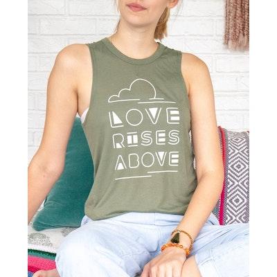 Linne Love Rises above mossgrön -  SuperLove Tees
