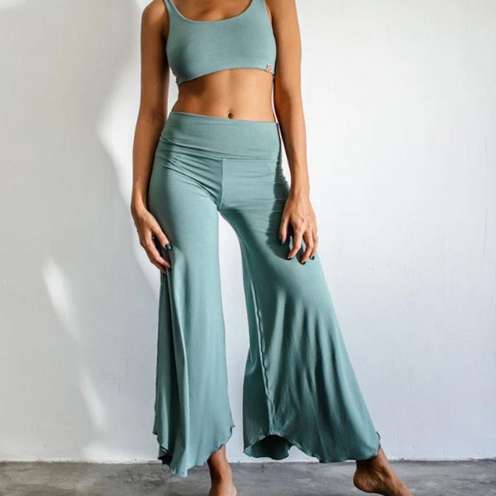 Yogabyxor Layla Flares Sage - Indigo Luna