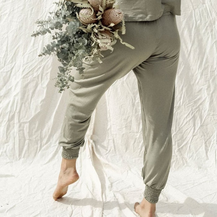 Yogabyxor Eucaluptus Daya pants sage - Indigo Luna