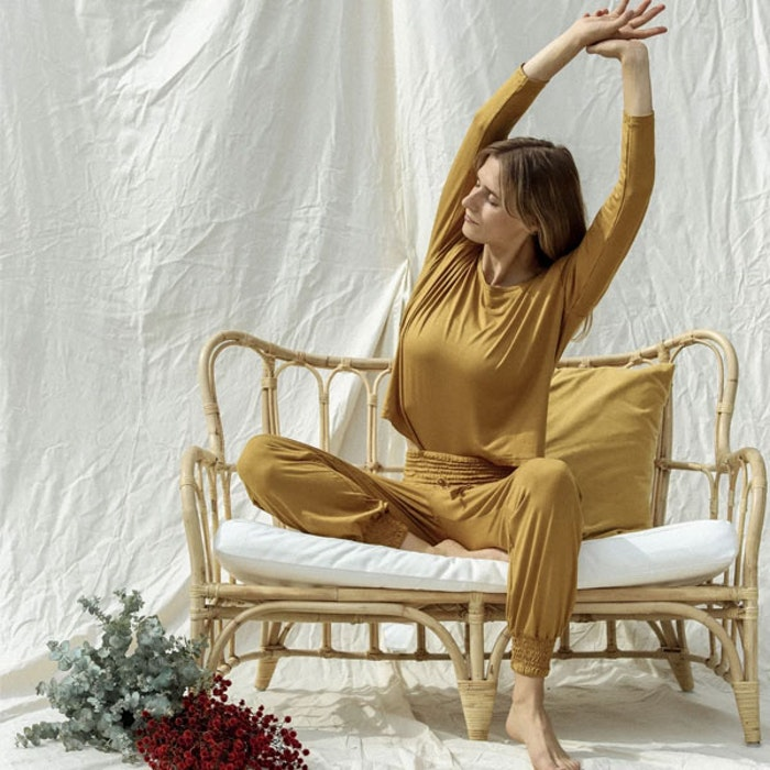 Yogatopp Eucaluptus Daya long sleeve mustard - Indigo Luna