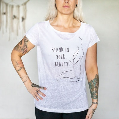 T-shirt Stand in your beauty 100% linne Vit - Yogia