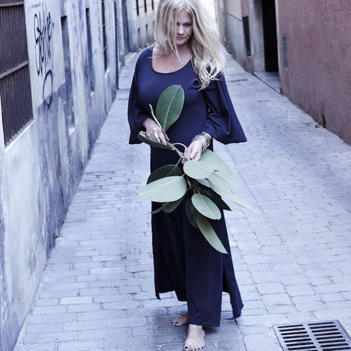 Ekologisk klänning/kaftan Samadhin black - Santa Ni