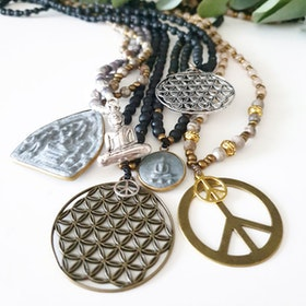 Stenhalsband Flower of Life Guld - Paz By Julia