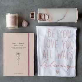 Spread the Love - Presentkit fyllt med kärlek