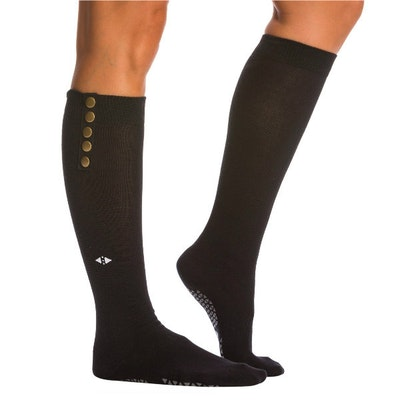 Yogastrumpor Stella Knee High Grip Socks Ebony - Tavi Noir