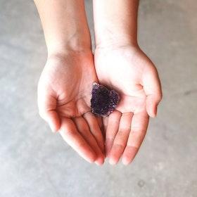Mörk ametist kluster  - Yogia