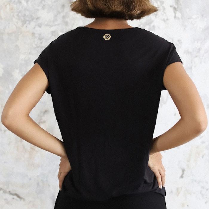 Yogatröja Layer Tee Black - Indigo Luna