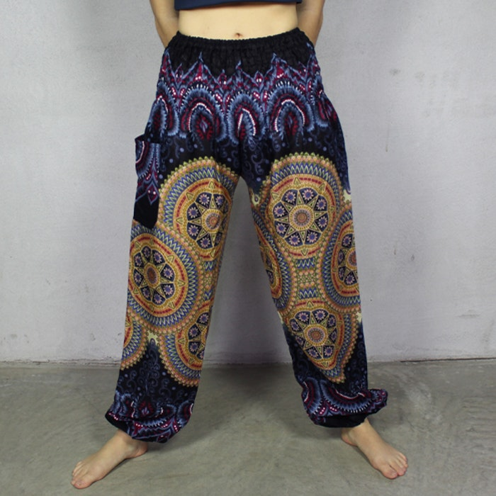 Relaxbyxa Raka nr. 4 Svart/Färgstarka Mandalas - Bohemian Harem