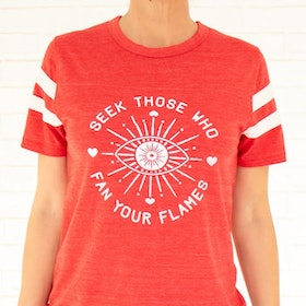 "Tröja ""Seek those who fan your flames"" - SuperLove Tees"