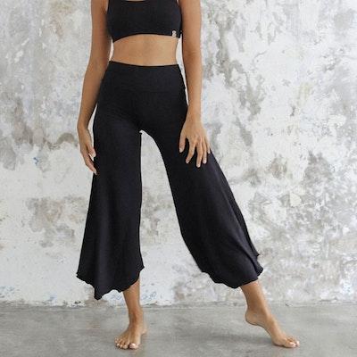 Yogabyxor Layla Flares Black - Indigo Luna