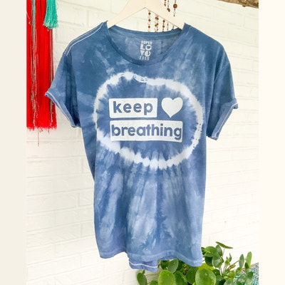 "T-shirt ""Keep Breathing"" - SuperLove Tees"