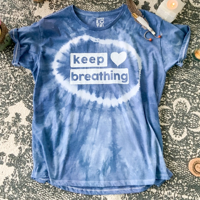 "T-shirt ""Keep Breathing"" - SuperLove Tees"