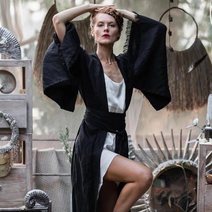 Kimono Exklusiv 100% linne Black - Chintamani Alchemi